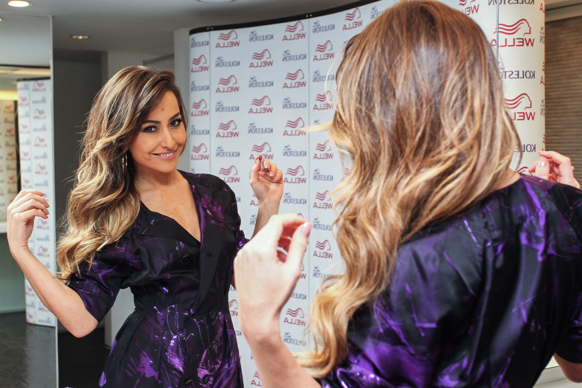 Sabrina Sato adota mechas ultra loiras com Koleston   Blog Caren Sales 9cf397e4c8