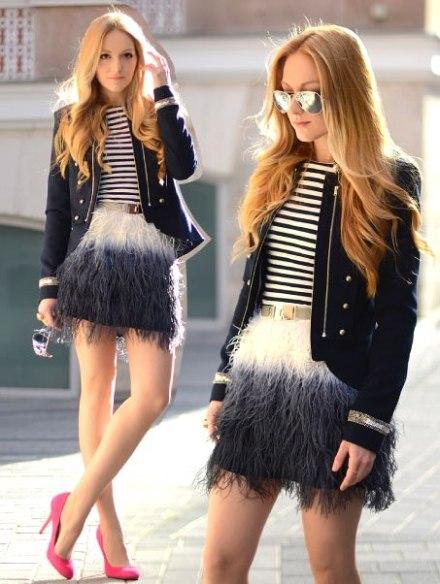 look-do-dia-marinho-saia-de-plumas-blazer-marinheiro-blusa-listrada